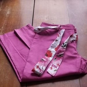 Jaclyn Smith size 10 cropped fuschia pink pants